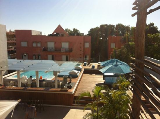 Deseo Hotel : view of the pool area from our room (8)