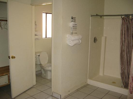 Mission Motel : 3