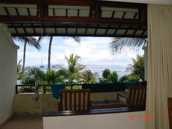 Hotel Genggong at Candidasa: Вид из номера второго этажа