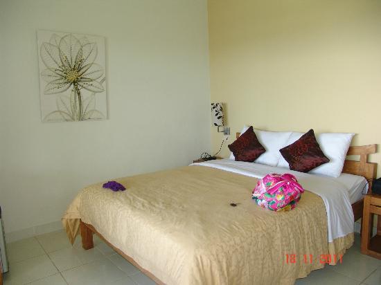 Hotel Genggong at Candidasa: Наш номер