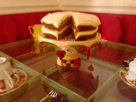 The Tilted Teacup Tea Room and Boutique: Best carrot cake