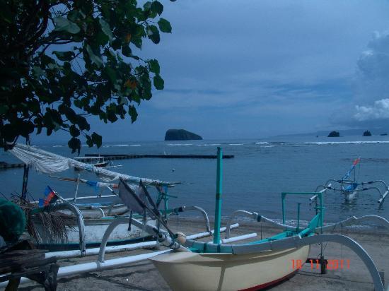 هوتل جينجونج: пляж отеля 