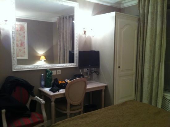 BEST WESTERN Saint Martin Bastille: rummet