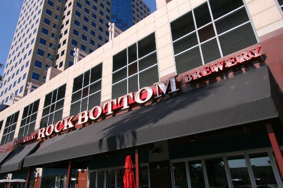‪Rock Bottom Restaurant & Brewery‬