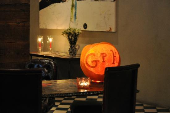 Gramercy Park Hotel: the lobby