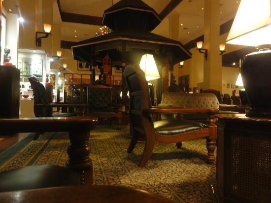 Sofitel Angkor Phokeethra Golf and Spa Resort : Lobby; My favorite place here; while listening to Cambodian Music