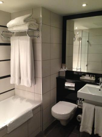 Crowne Plaza London Kensington: Nice bathroom