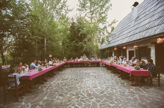 Pristava Lepena: Restaurant terrace