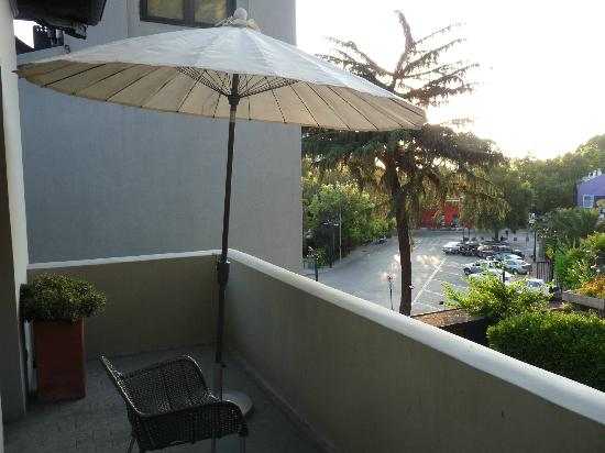 The Aubrey Boutique Hotel: Vista da entrada para o Zoo e Serro San Cristóbal - 1