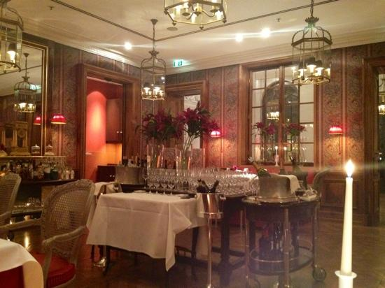 Restaurant Francais: Beautiful dining room