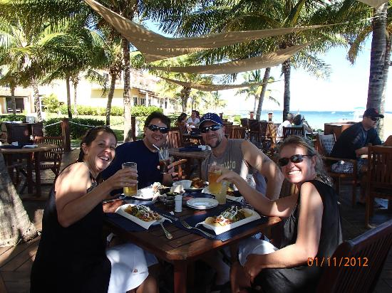 Secrets Capri Riviera Cancun: Sea side for lunch. Food is excellent