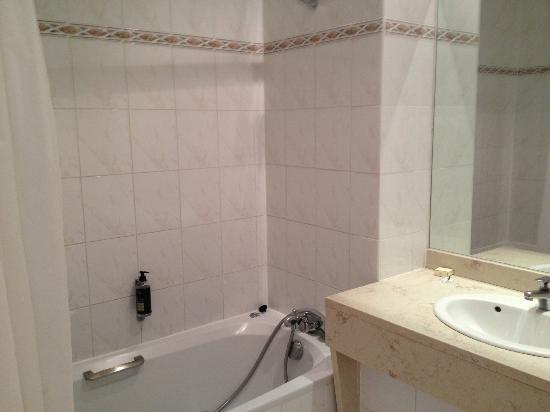 Hotel Saint Nicolas: bathroom