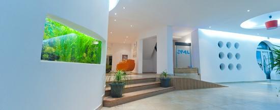 Hotel Opal: Lobby