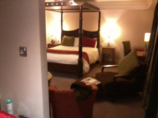 Clontarf Castle Hotel: our gorg room