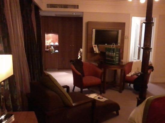 Clontarf Castle Hotel: room