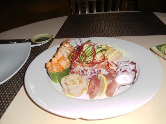 Carlito's: Sashimi starter