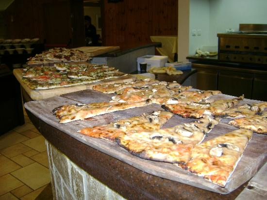 Hagoshrim Kibbutz & Resort Hotel: pizza