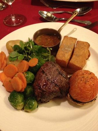 Hogarths Stone Manor: 8oz Fillet of beef