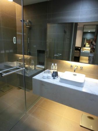 Best Western Premier Sukhumvit: Bathroom