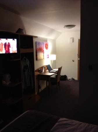 Premier Inn Nuneaton/Coventry Hotel: desk area