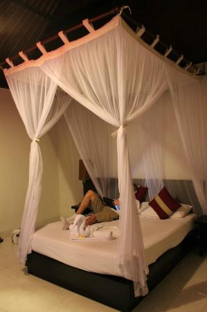Pertiwi Resort & Spa: Bed