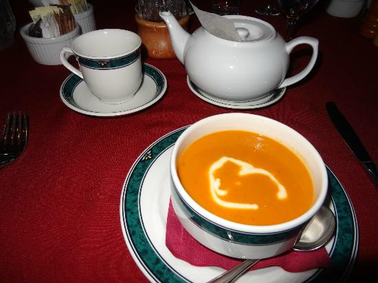 Spruce Hill Resort & Spa: Loved the selection of teas and homemade soups!
