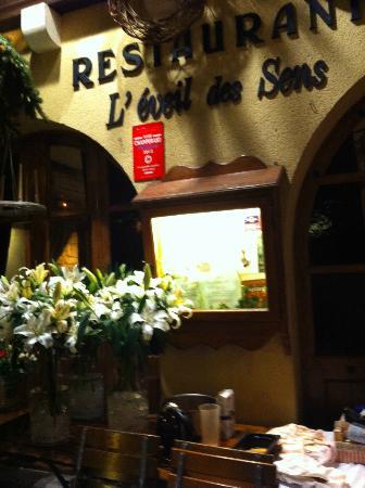 foto de l 39 eveil des sens estrasburgo l 39 eveil des sens en automne petite france strasbourg. Black Bedroom Furniture Sets. Home Design Ideas