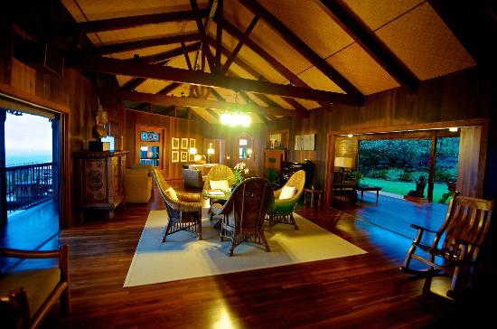 Holualoa Inn: Main Lobby