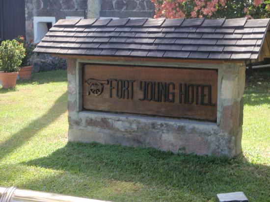 Fort Young Hotel: The entrance