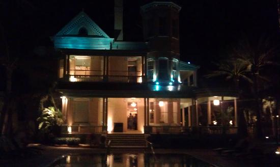 The Southernmost House: Night Time