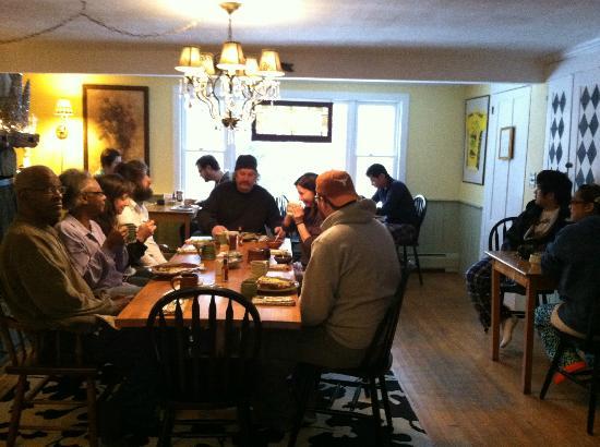 Wilder Farm Inn B&B: Our group at breakfast