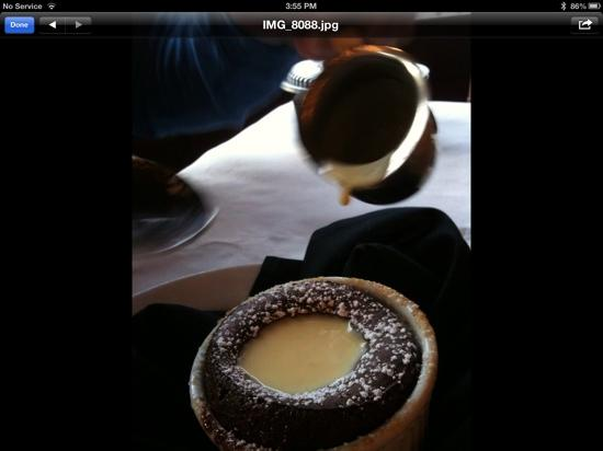Bella Notte: Chocolate souffle with vanilla cream