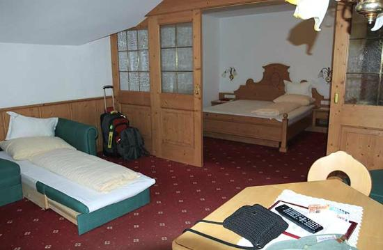 Hotel Seelaus: 2nd room looking into the main bedroom
