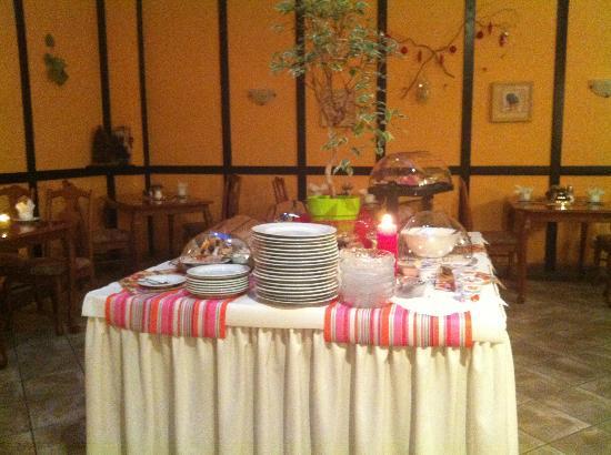 Hotel Am Fischmarkt : Breakfast tabel