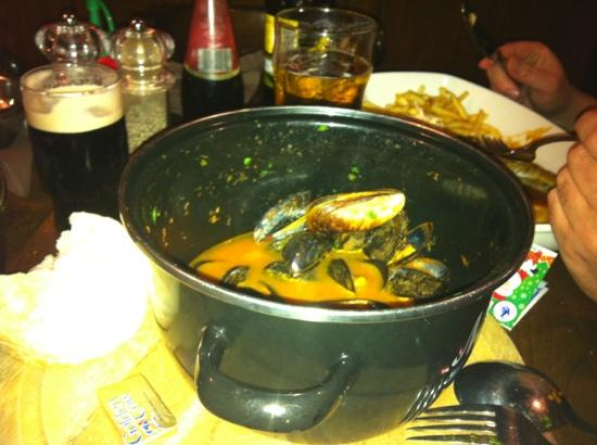 The Rabbit Rooms: chilli tomato mussels