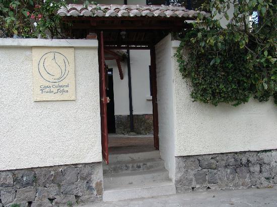 The Trude Sojka Cultural House : Entrada de la Casa Cultural