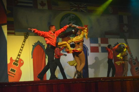 Grand Bahia Principe Punta Cana: show Dominican