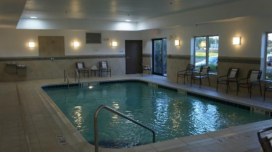 Holiday Inn Express Hotel & Suites Dewitt (Syracuse): Nice Little Pool