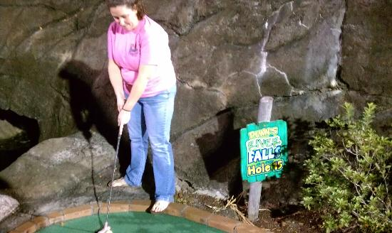 Runaway Bay Minature Golf: My wife missing another putt