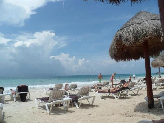 Secrets Capri Riviera Cancun: The beach
