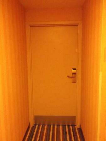 Four Points by Sheraton Peoria Downtown: Room door