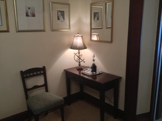 Meredith House and Mews : desk area