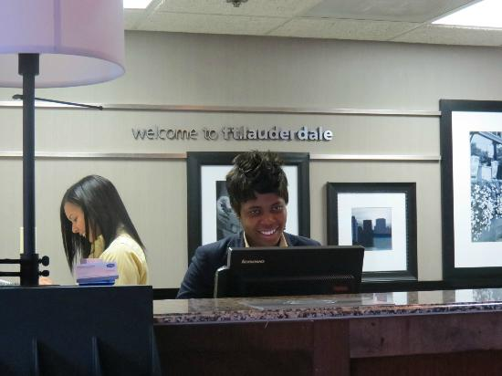 Hampton Inn & Suites Ft. Lauderdale Airport/South Cruise Port: front staff