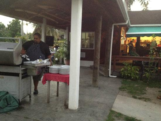 Palm Grove: Cooking the Sunday BBQ