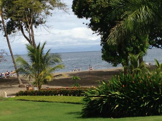 Hotel Riu Guanacaste: The Beach from the Ocotal Resturant