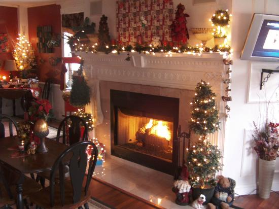 Brookside Inn at Laurens: Christmas at Brookside Inn