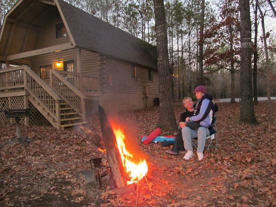 Uchee Creek Army Campground and Marina: Build a camp fire