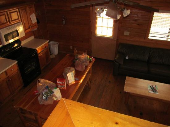 Uchee Creek Army Campground and Marina: Kitchen area