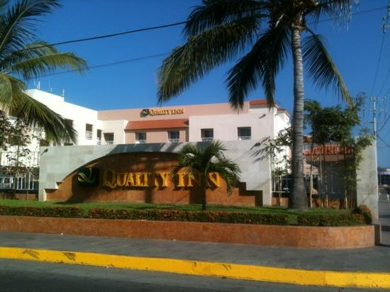 Quality Inn Mazatlan: Recent construction