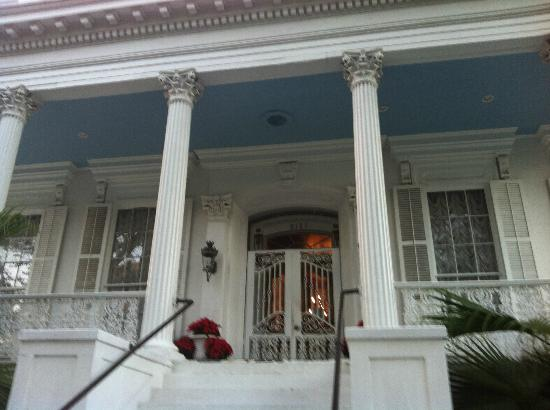 Magnolia Mansion: The veranda.